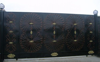 Ferforje Garaj Giriş Kapıları